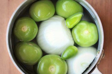 Easy Salsa Verde- thaicaliente.com